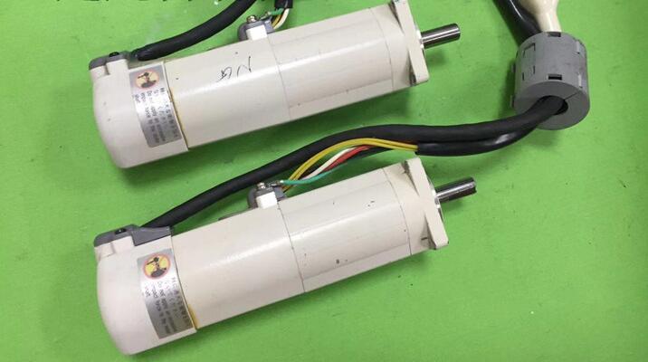 محرك مؤازر MSM011P1F, مستعمل واحد ، مظهر جديد 90% ، اختبار البضائع ، شحن مجاني