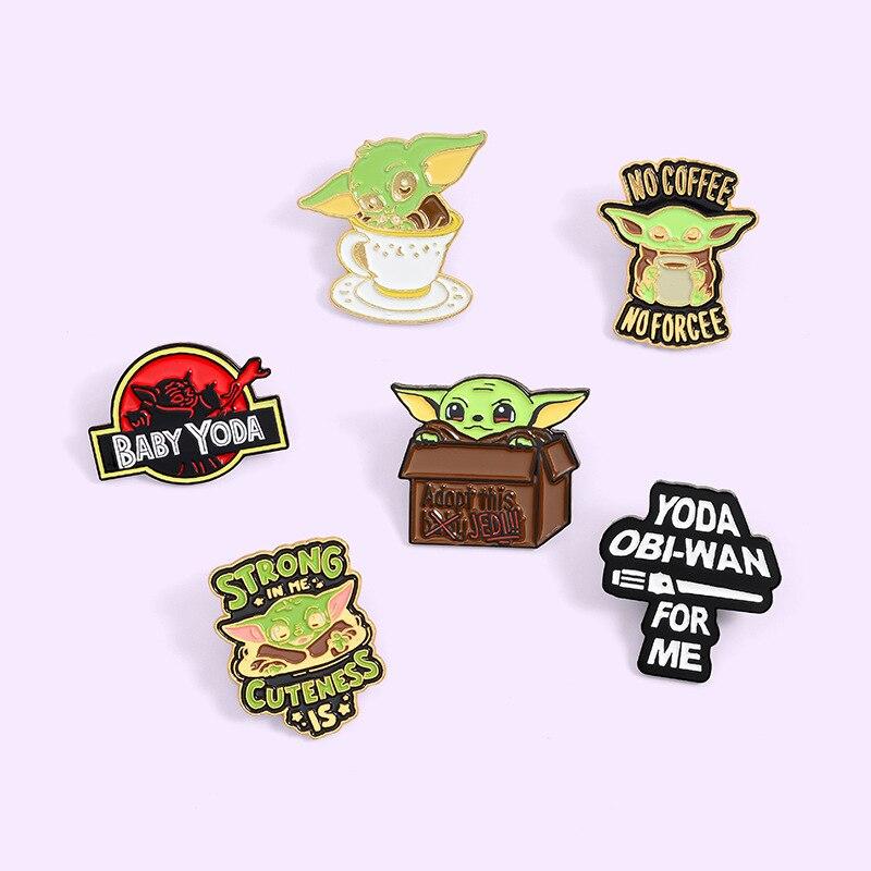 Anime Star Wars El Mandalorian Baby Yoda broche para camisa Pins insignias Broches para hombres mujeres insignias Pins prendedores joyería Accesorios