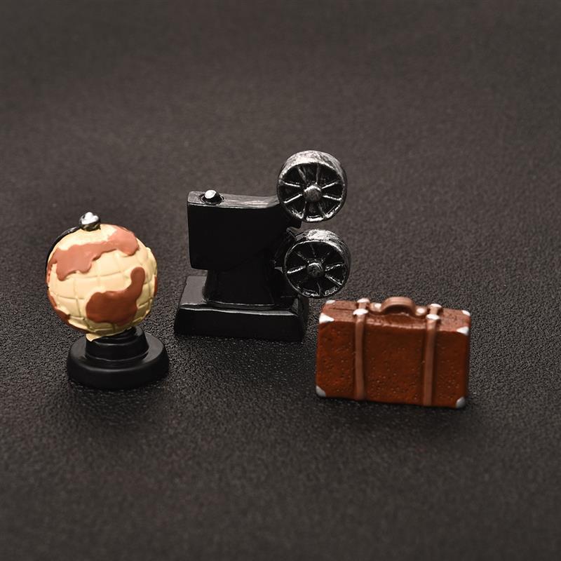 Creative MINI Retro Suitcase Globe Projector Antique Imitation Nostalgia Wireless Ornament Resin Craft For Bar Home Decor