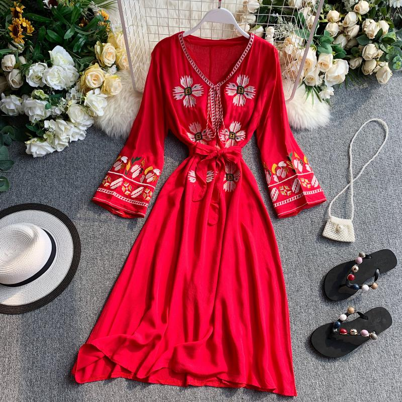 Linen Dress 2020 Embroidery Dress Long Sleeve Vintage Boho Elegant Dresses Ethnic Bohemian Clothes Red Mori Girl Vestido V Neck