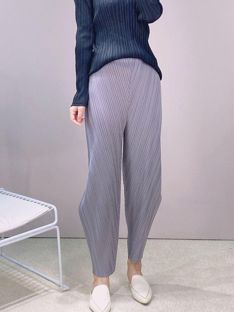 بنطلون صيفي جديد للسيدات موديل 2021 على شكل خاص ملابس بطيات من Miyak مقاس كبير سراويل فضفاضة عالية الخصر ضيقة ذات قصة ضيقة