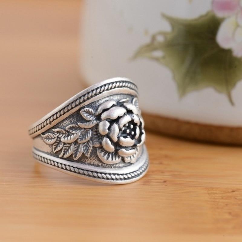 Женское-Винтажное-кольцо-с-крупным-цветком-розы