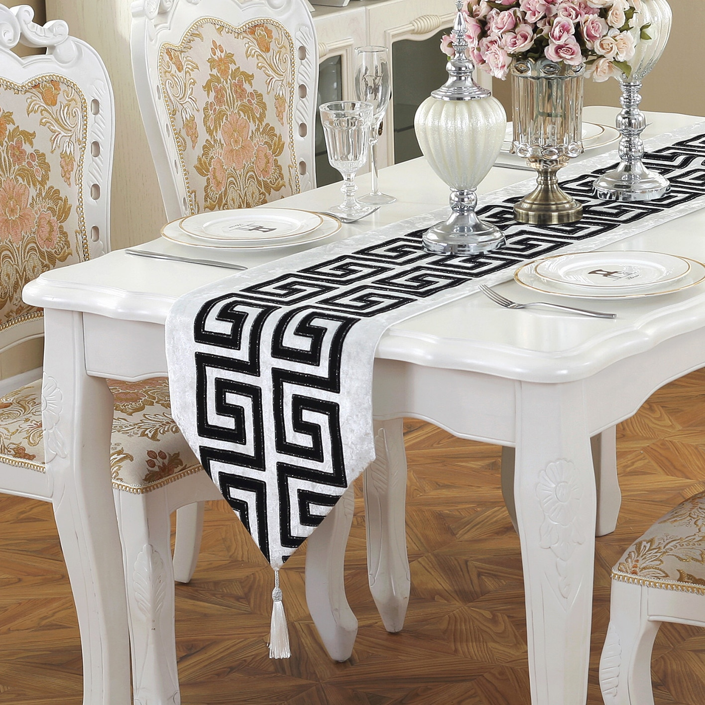 Simple Modern Chinese Style Classic Retro Black And White Fashion Tablecloth Flag