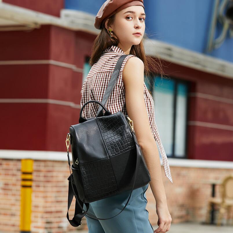 2021 العلامة التجارية الفاخرة جلد طبيعي على ظهره المرأة حقيبة كتف عادية سعة كبيرة الإناث حقيبة ظهر للسفر شعبية حقيبة مدرسية