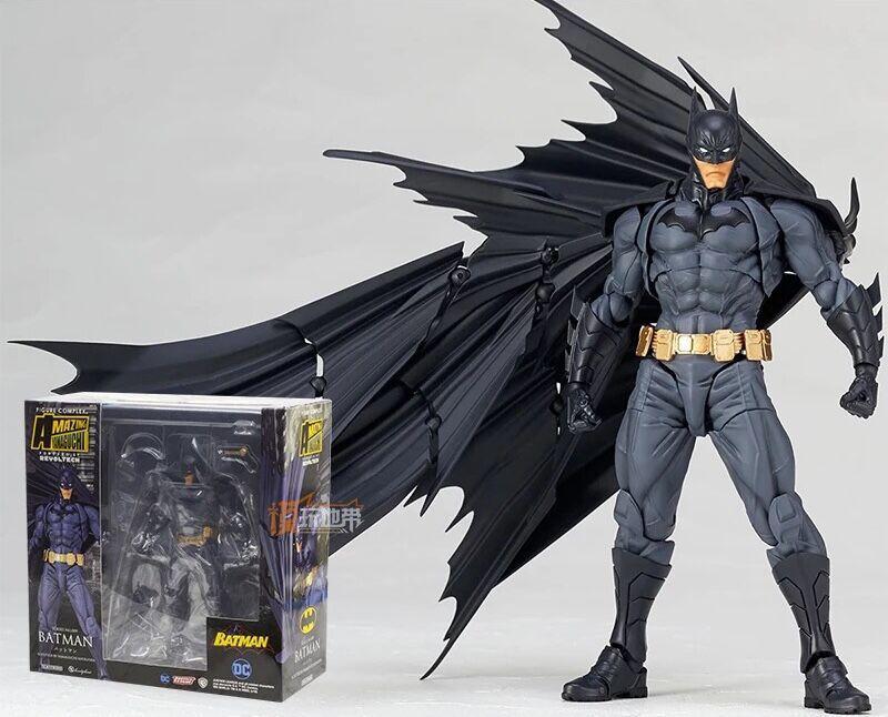 DC-increíble caballero oscuro de Batman de 16cm, Yamaguchi regiro, núm. 009, Batman, colección de figuras de acción de PVC, juguete para regalo