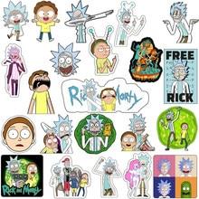 ¡Oferta! 1 Uds. Insignia acrílica bonita de moda broche de dibujos animados Rick y Morty Pin para decoración en la ropa de la mochila regalos de Halloween