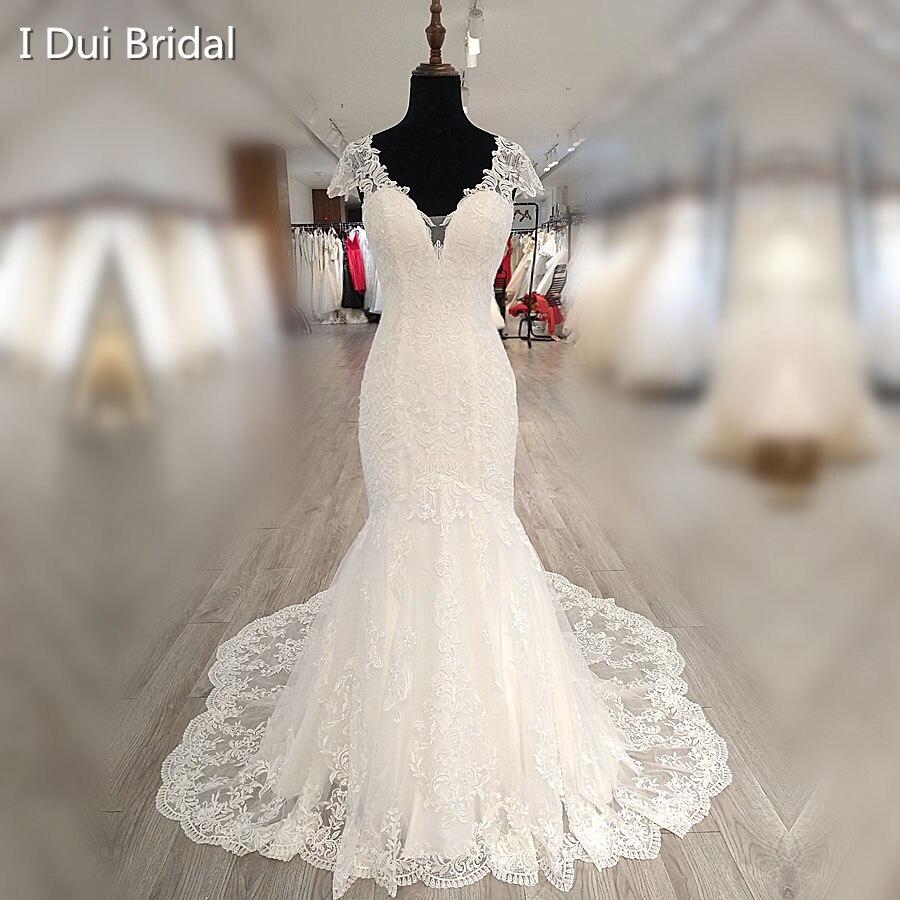 Vestido de novia de sirena de manga del Cabo con cuello en V encaje Appliqued ilusión trasera con botones vestido de novia de fábrica de alta calidad