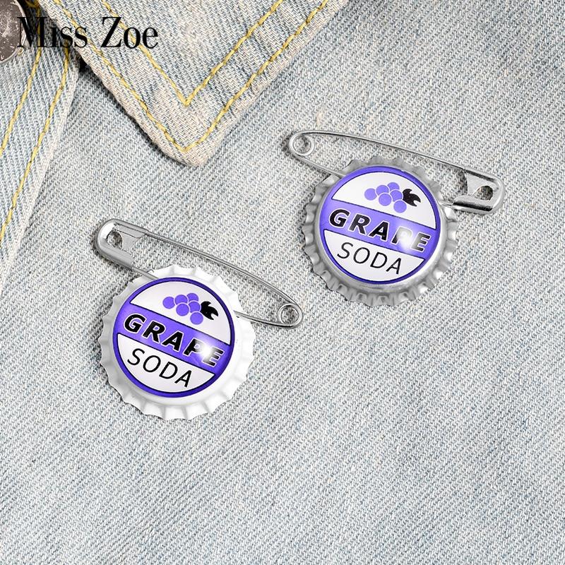 Juice Soda Bottle cap Brooches Custom Capsule Brooches Bag Shirt Lapel Pin Buckle Grape Jewelry Gift