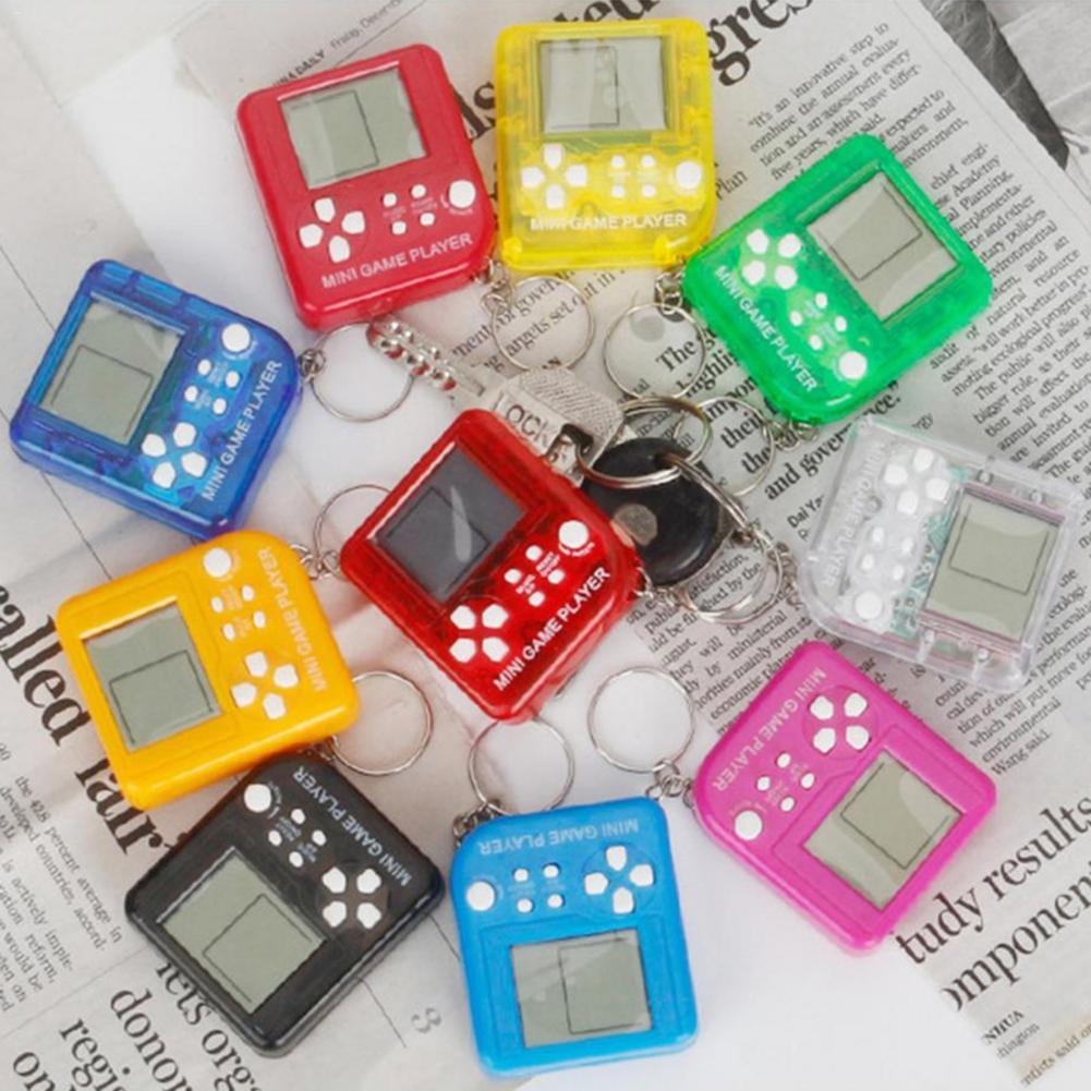 4 шт. детская игровая консоль с брелоком, Классическая портативная игровая машинка, мини игровая консоль с подвесной цепью, электронные игру...