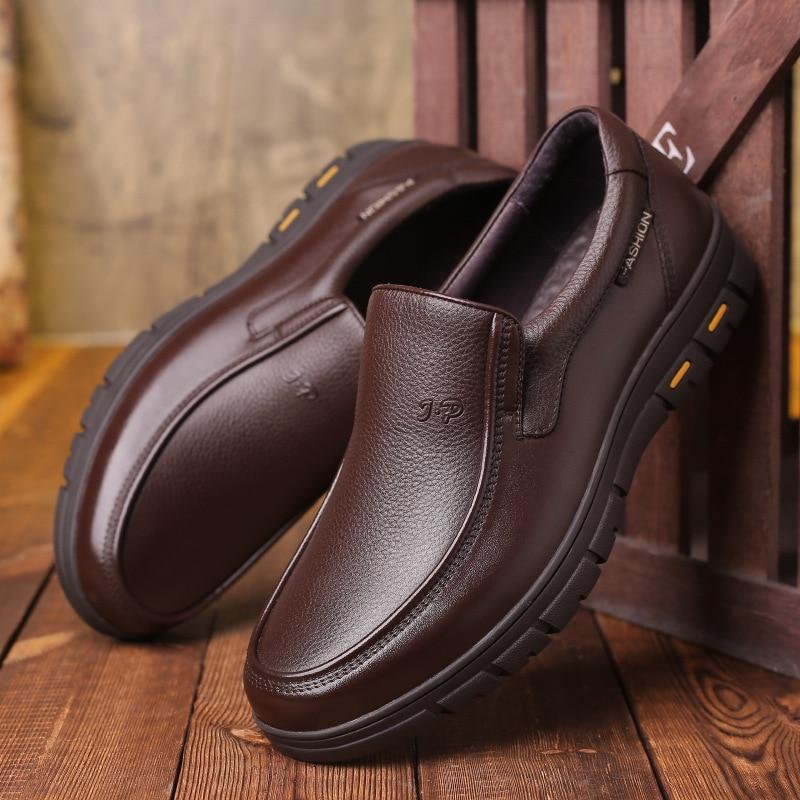 20212021New جودة عالية لينة جلد البقر أحذية رجالي رجل براون الأعمال فستان أحذية الكلاسيكية جولة تو الأخفاف Zapatos Hombre