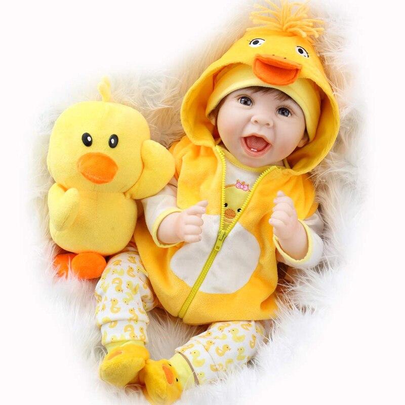Aori واقعية بيبي تولد من جديد 22 بوصة تولد من جديد دمية مع الملابس الصفراء والاكسسوارات لعبة بطة أفضل عيد ميلاد مجموعة للفتيات سن 3