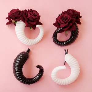 Devil Goat Horn Hairpin Snap Hair Clip Barrattes Headwear Death Rock Nu Goth Stage Show Party Jewelry Cosplay Lolita Accessories