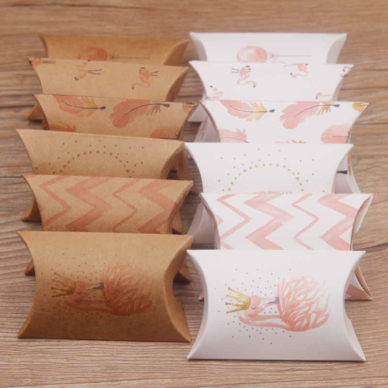 Bela multi Projeto 8*5.5*2cm Travesseiro Caixa de Exibição caixa de Jóias & colar & Brinco Casamento 12 caixa de presente com cartão inner 12 5*4cm