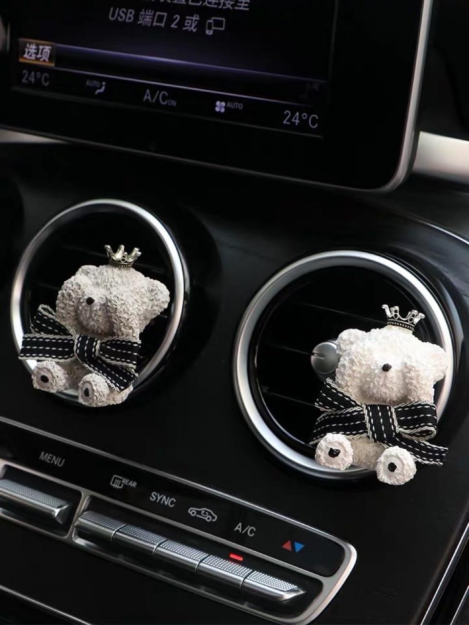 Carro perfume decoração interior do carro bonito dos desenhos animados urso de pelúcia carro ar condicionado tomada clipe aromaterapia luz