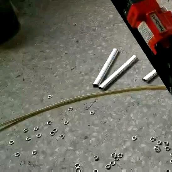 تايوان العلامة التجارية أدوات السلطة التراب المستخدمة لأدوات تركيب ألواح من الشبك حسم أدوات حلقة C الهوائية