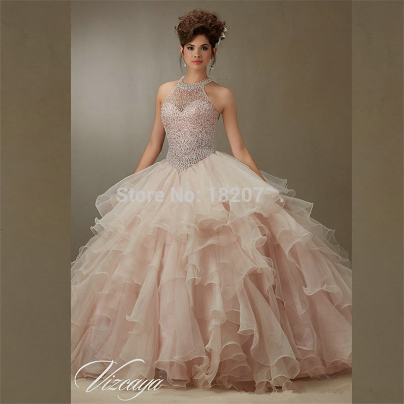 Puffy Quinceanera Dresses Ball Gown Halter Organza Ruffles Beaded Crystals Cheap Sweet 16 Dresses