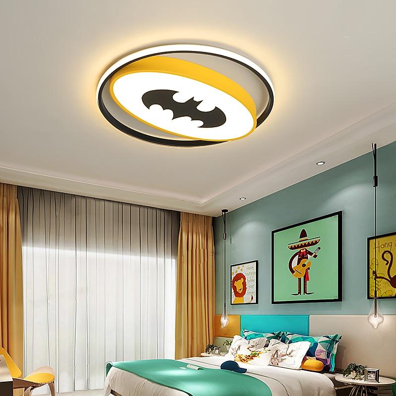 Aranha/Bat LED lustre Para sala de estudo Quarto Quarto das crianças vermelho/amarelo moderno conduziu a Iluminação Lustre de ferro lustres