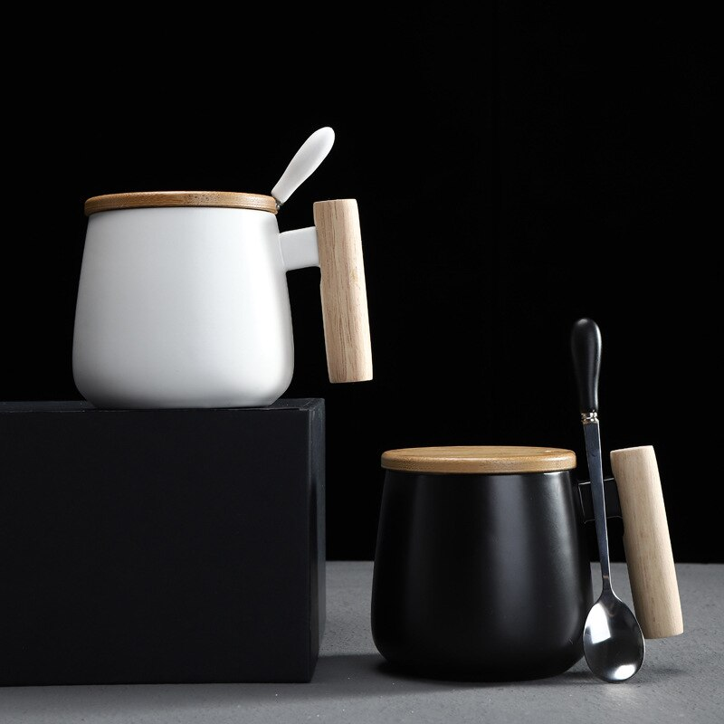 Taza de café estilo nórdico negro blanco cuerpo gordo con mango de madera y cuchara estilo moderno uso de oficina agua leche bebidas tazas de cerámica