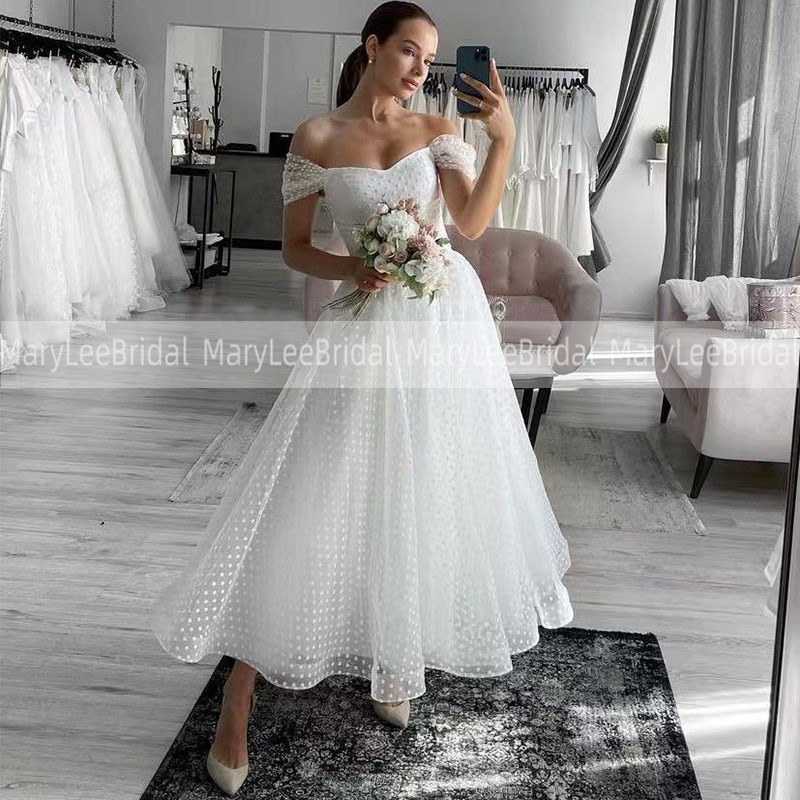 Promo Ivory Short Beach Wedding Dresses A Line Sweetheart Neckline Polka Dot Tulle Bridal Gowns Tea Length Russian Bride Party Dresses