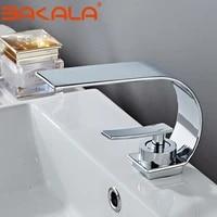 Robinet melangeur creatif pour lavabo et vasque  type cascade  a double poignee  pour salles de bains  sortie deau chaude et froide