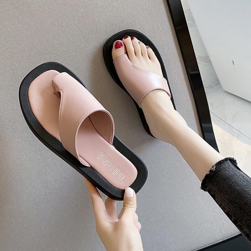 COOTELILI/женские летние тапочки; Модная обувь на плоской подошве 3,5 см; Новинка 2020 года; Модные шлепанцы; Нескользящие черные классические слипо...