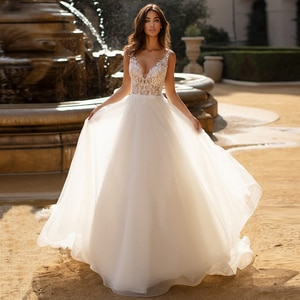Sexy Backless Wedding Dresses Vestido De Noiva Deep V-neck Illlusion Lace Applique Tulle Bridal Wedding Gowns Robe De Mariee