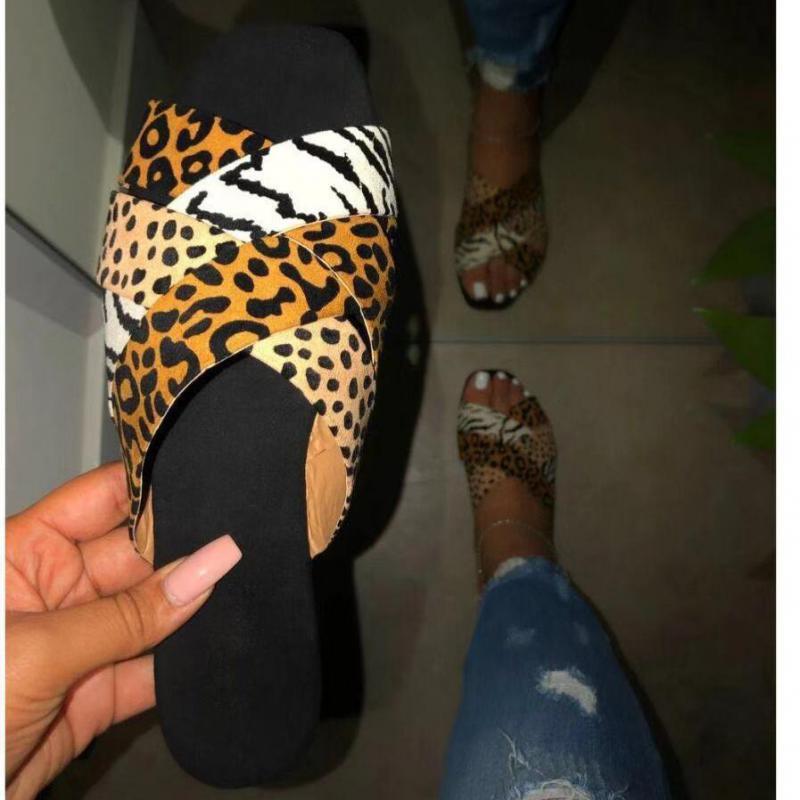 Urbano popular leopardo impresso flat heel chinelos mulher luz wear-resistan peep toe mar praia slides casual legal verão outwear