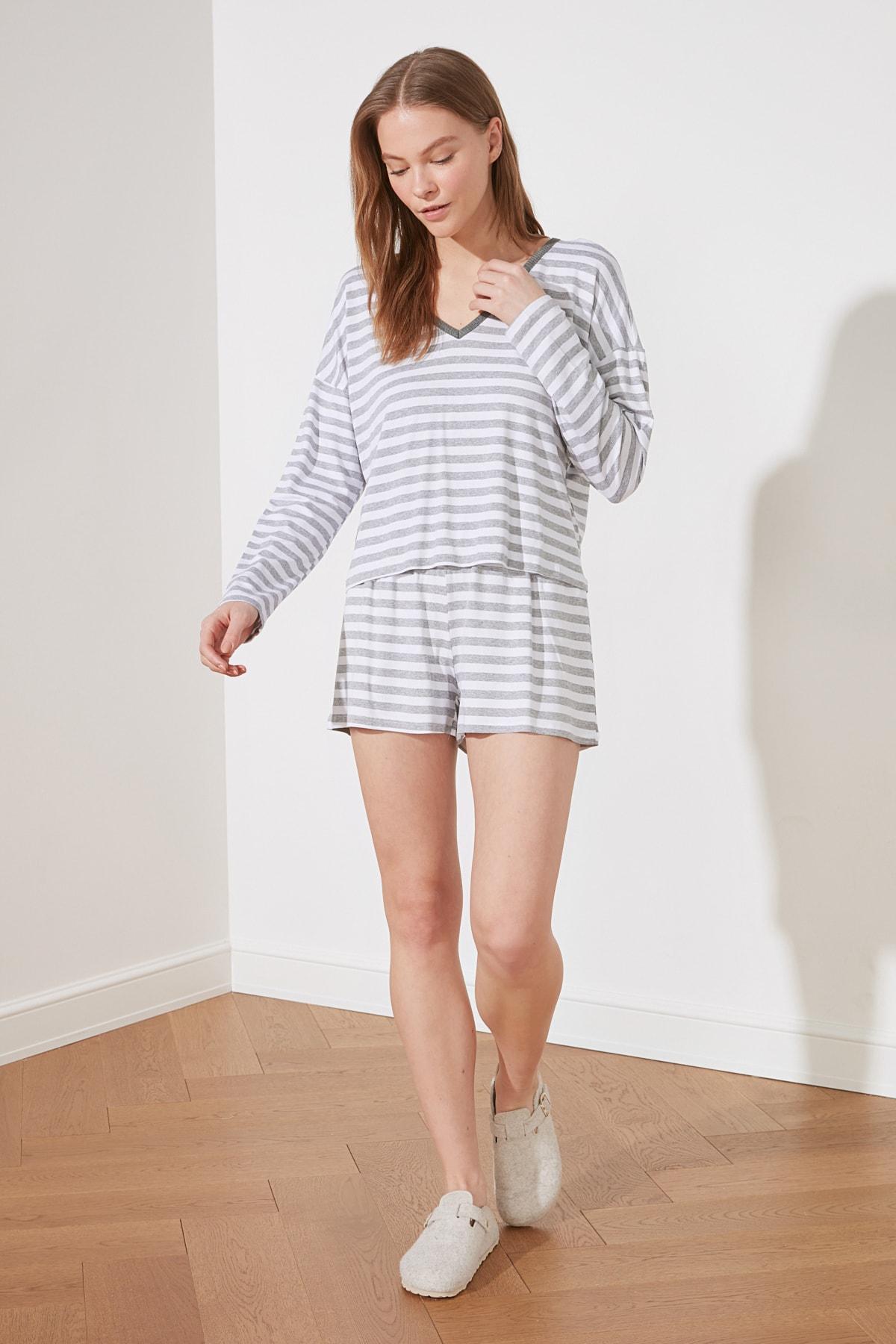 С капюшоном полосатая трикотажная пижама комплект