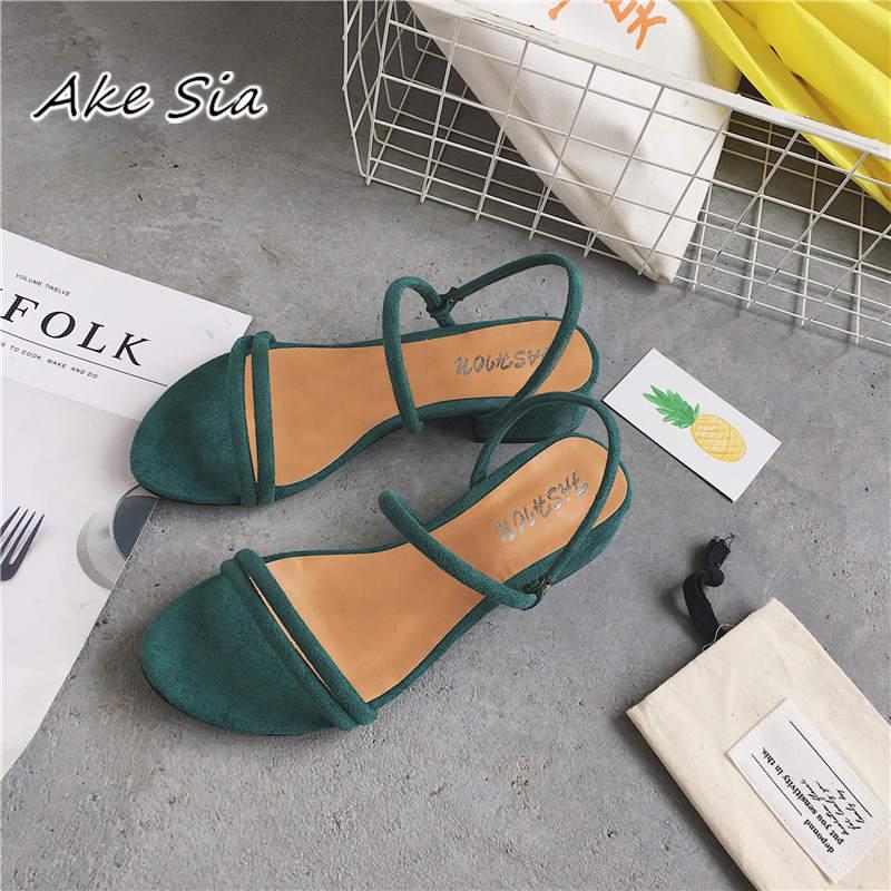 Nowe płaskie kapcie na zewnątrz sandały stóp pierścień pasy zroszony rzymskie sandały moda niski stok z buty damskie buty na niskim obcasie x69
