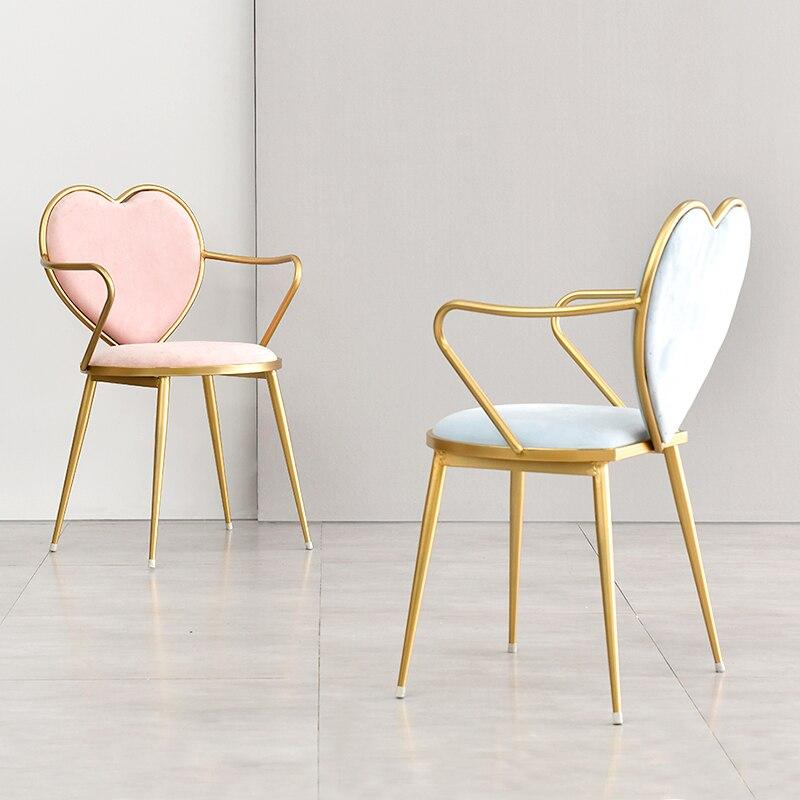 الوردي الشمال الإبداعية الطعام كرسي الذهب المطاوع الحديد على شكل قلب كرسي مسمار القهوة صالة كرسي بسيط خلع الملابس كرسي