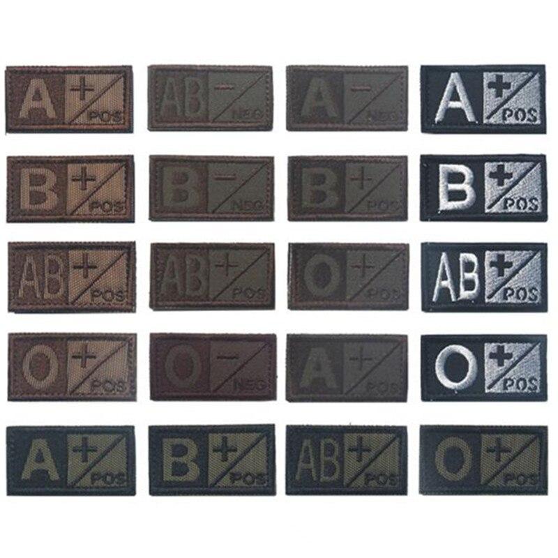 Parches militares de color negro y verde, parches bordados 3D de grupo sanguíneo A + B + AB + O + insignias tácticas positivas, marrones con gancho y bucle