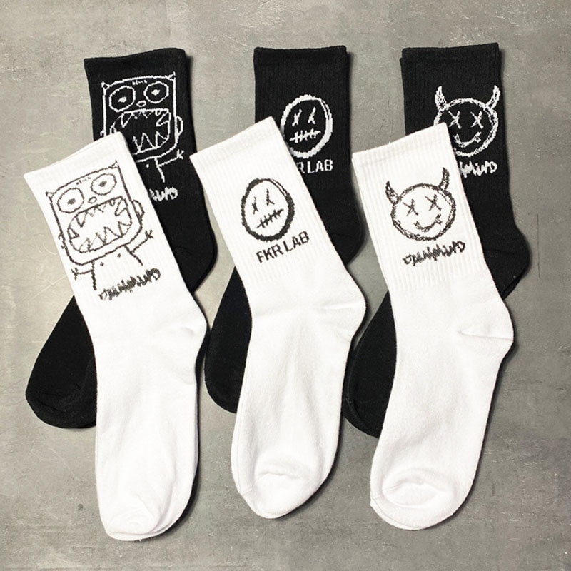 Japanese Cotton Cartoon Pattern Hip Hop Style Breathable Mid Tube Socks Skateboard Socks 1Pair Soft Long Sock for Men