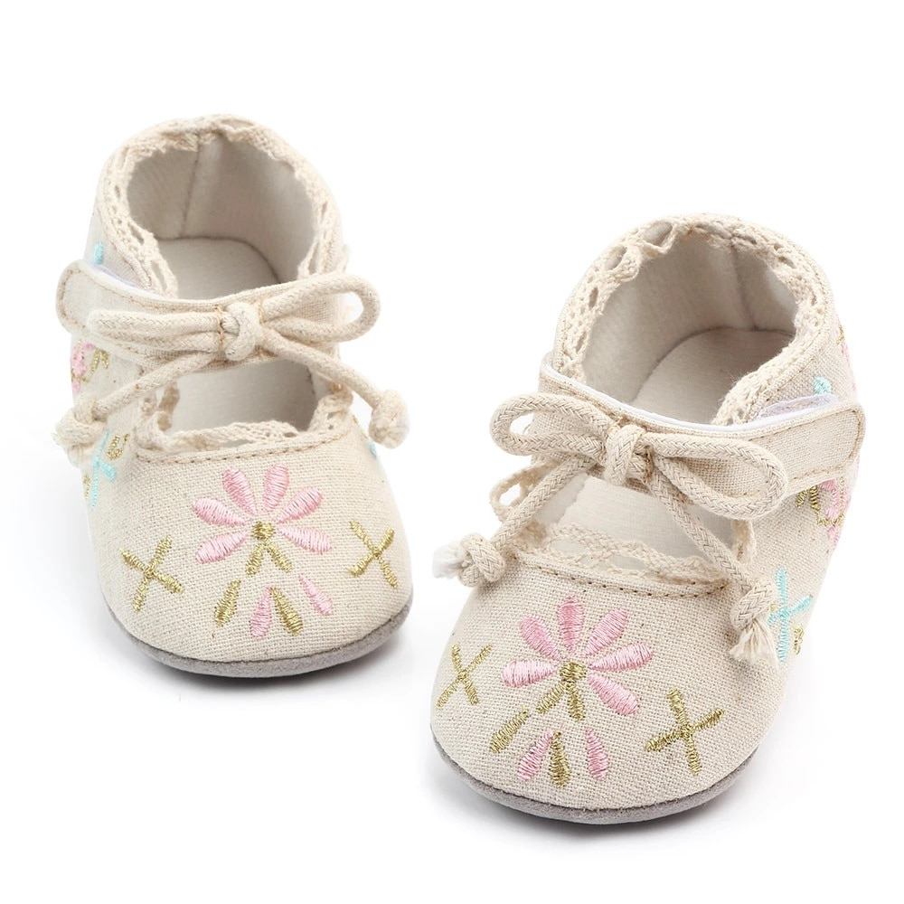 2020 Butterfly Embroidered Baby Shoes Soft Sole Baby Girl Shoes Anti-Slip First Walker Princess Baby Shoes