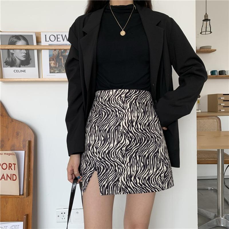 Фото - Сексуальная мини-юбка 2021 летняя новая узкая юбка с принтом зебры женская Двухступенчатая юбка мини-юбка с естественными факторами flavio castellani мини юбка