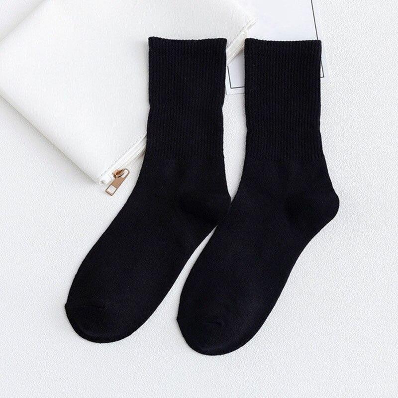 10Pair Brand New Fashion INS Cotton Black White Stripe Crew Men Socks Sports High Skateboard Blaze Street Happy Long Sox on Sale