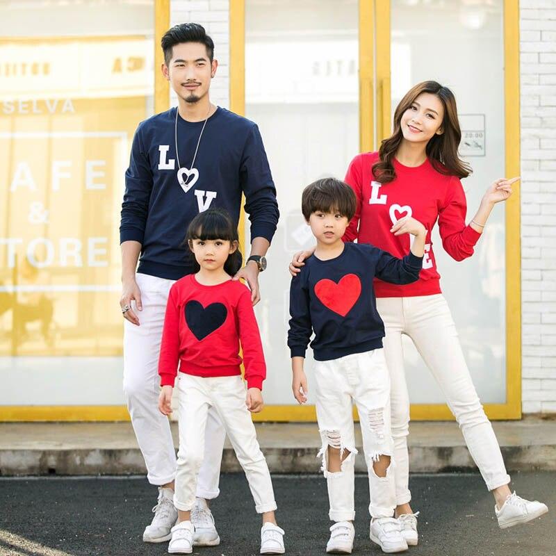Одинаковая Футболка с принтом любви для всей семьи, одежда для папы, матери, дочери и ребенка, футболка с длинными рукавами, детский комбинез...