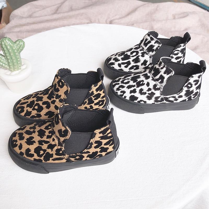 Leopardo botas niñas zapatos de los niños zapatos Convas invierno Flattie niños casuales High-Top zapatillas de deporte estudiante de moda estampado de tigre corto