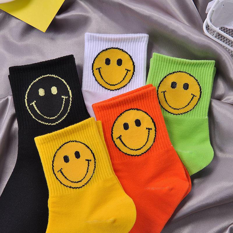 جديد Kawaii فراشة الجوارب للنساء الشارع الشهير Harajuku النساء كوريا ابتسامة مضحك الأسود كول الجوارب موضة دروبشيبينغ