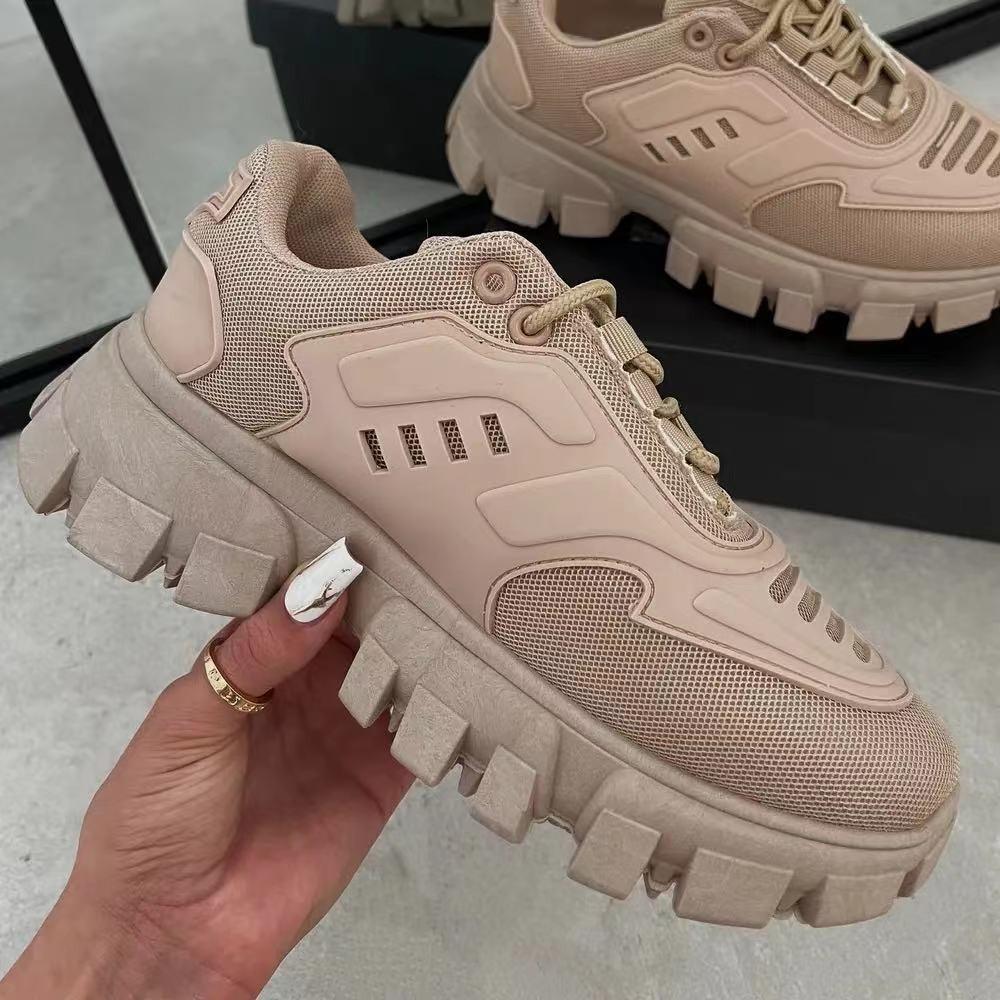 فاخر المرأة منصة أحذية رياضية المرأة أحذية رياضية مكتنزة حذاء كعب سميك حذاء رياضة الزواحف امرأة الأحذية بابا مصمم جديد
