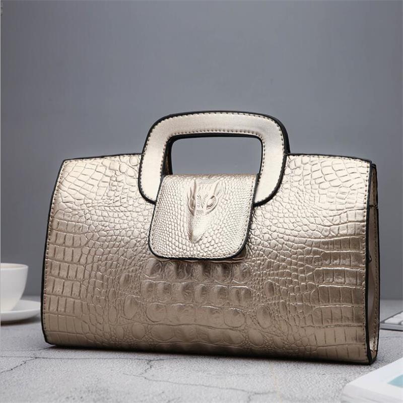 السيدات حقيبة جلدية 2021 جديد الأوروبية موضة المرأة حقيبة فاخرة حقائب يد جلدية الذهبي والفضي اللون حقيبة ساعي حمل الإناث