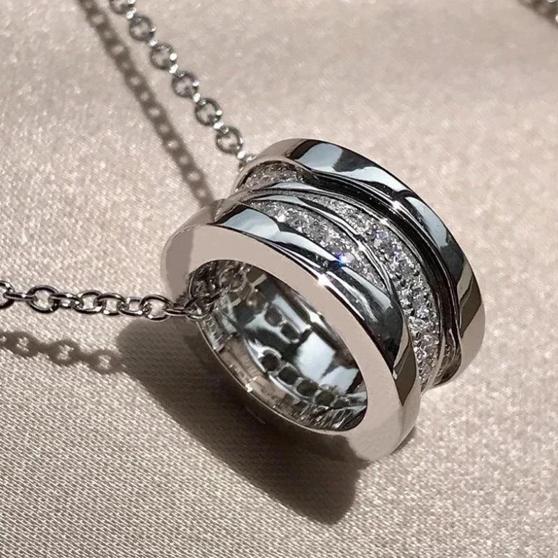 Женское-кольцо-из-серебра-100-пробы-с-разноцветными-бриллиантами