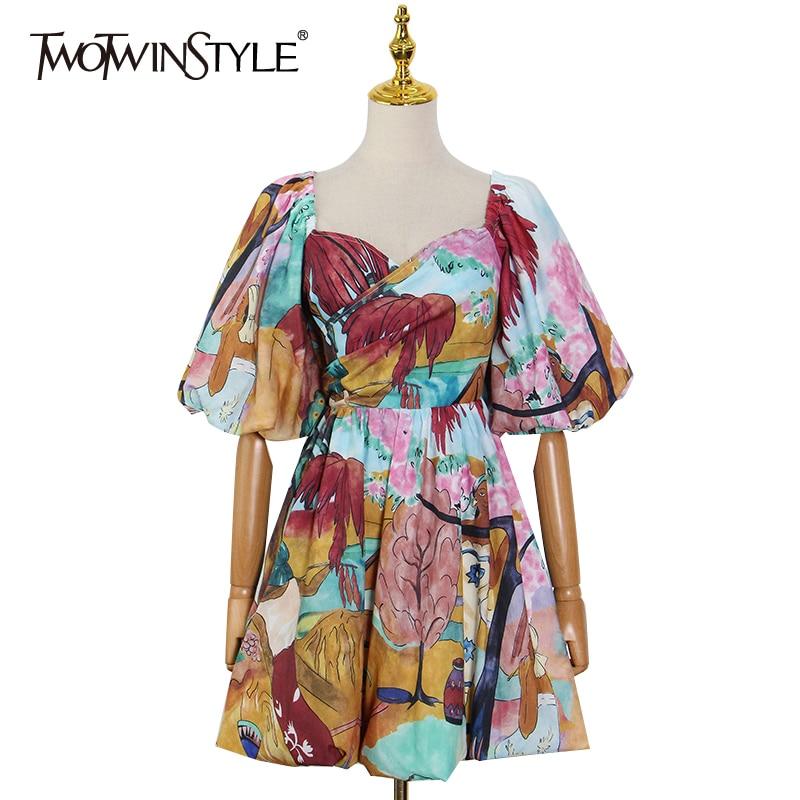 TWOTWINSTYLE طباعة فستان كاجوال للنساء الخامس الرقبة نفخة قصيرة الأكمام عالية الخصر ضرب بلوفر ملون فساتين صغيرة الإناث الصيف جديد