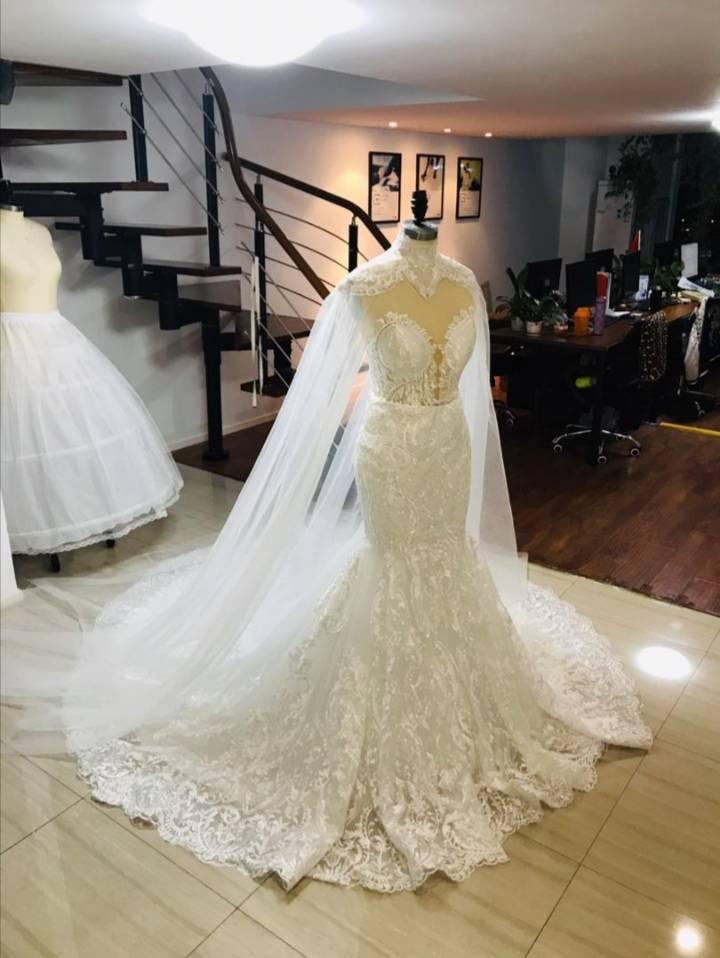 Купить с кэшбэком smileve 2019 Mermaid/Trumpet Lace Wedding Dresses for Women Sleeveless Strapless Lace Appliques Sexy Backless Dress Custom made