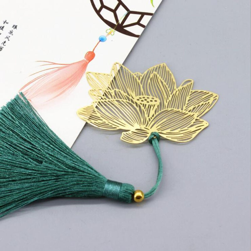Vintage Chinese Style Gold Metal Hollow Lotus Tassel Bookmark Stationery Book Folder Office School Exquisite School Supplies chinese style metal hollow bookmark lotus lotus leaf bookmark creative stationery fine holiday gifts art accessories