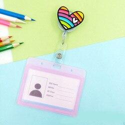 Acrílico amor coração emblema rolagem estudante enfermeira escritório carretel personagem doces cor escalável exposição cartão de visita titular distintivo