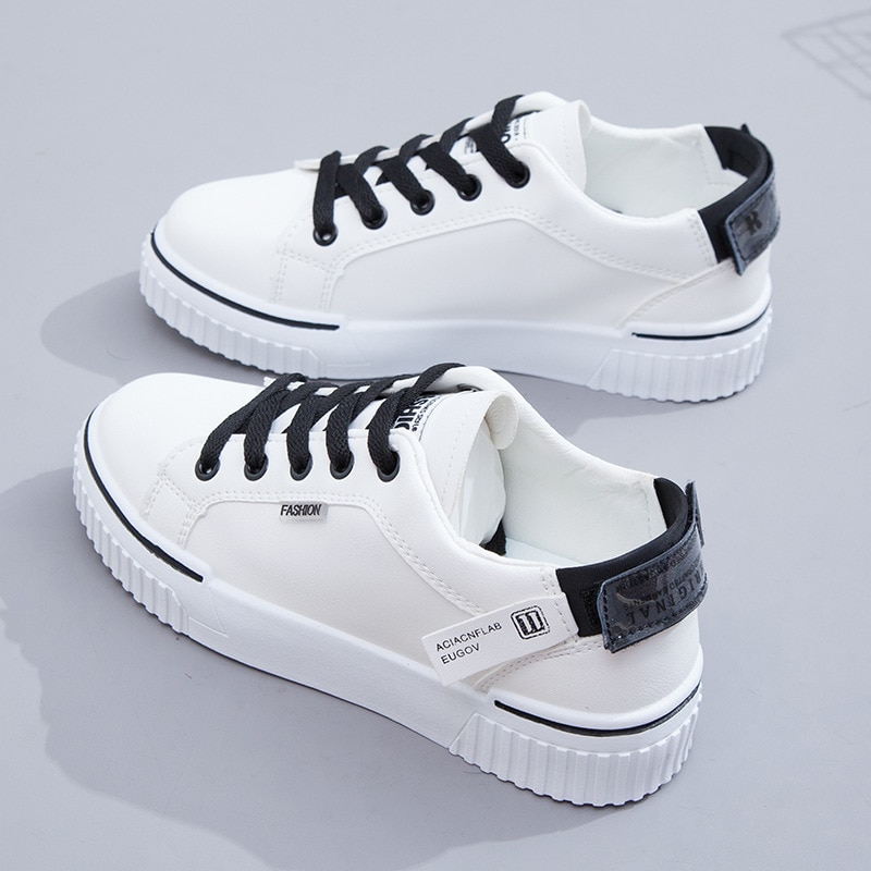 Little white shoes female 2021 spring new shoes student Korean flat breathable shoes running casual women's shoes little white shoes female spring 2020 new shoes students wild basic canvas shoes korean casual shoes daisy board shoes