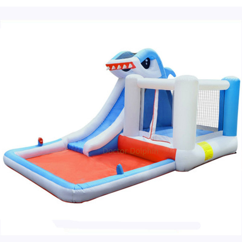 نفخ القرش الترامبولين المياه ترتد الشريحة البيت البلوز الحارس القفز نطاط كذاب القلعة مع منفاخ وحمام سباحة للأطفال