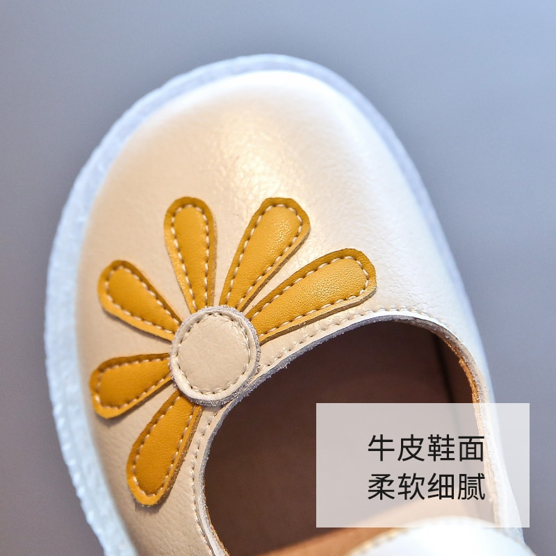 Girls' shoes Princess shoes Autumn shoes Spring shoes Small leather shoes Baby bean shoes Soft soles Casual shoes Leather shoes enlarge