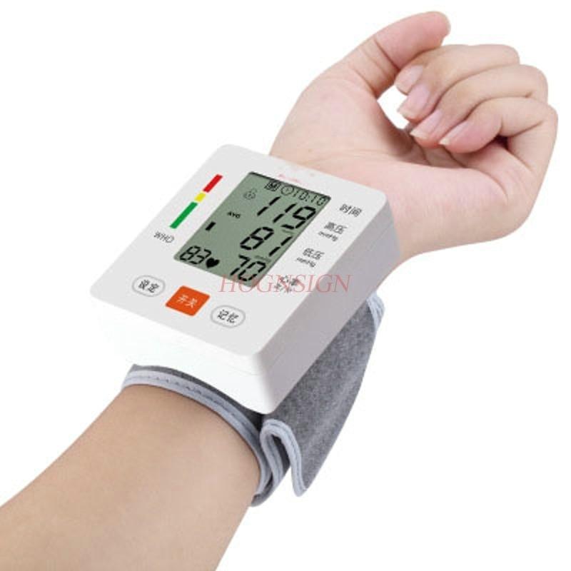 مقياس ضغط الدم الإلكتروني الذكي أداة قياس الصوت على المعصم مقياس ضغط الدم المنزل عالية الدقة