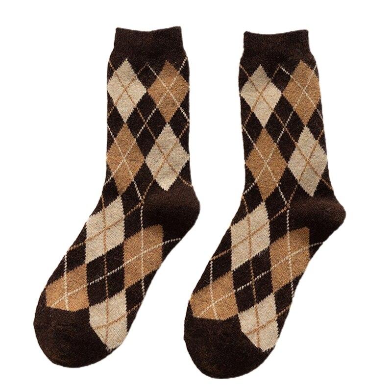 Women Winter Thick Knit Warm Crew Socks Vintage Argyle Plaid Pattern Hosiery